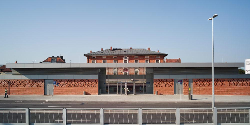 Terminalgebäude Bahnhof München Pasing